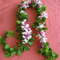 maile.lei.with.orchid.strand.added