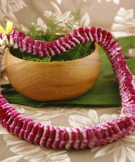 Hawaiian Lei Etta Purple