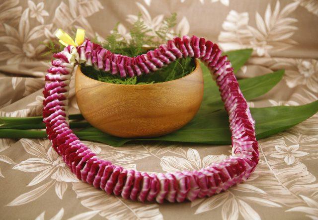 Hawaiian Lei Etta Purple