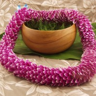 chic feather lei purple Hawaiian lei