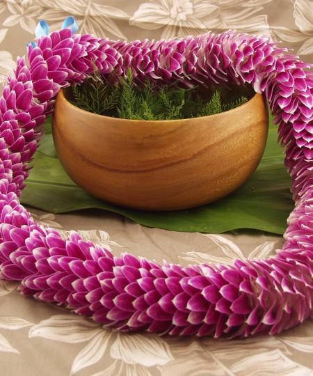 chic feather lei purple Hawaiian lei